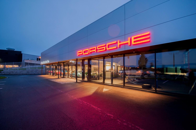 PorscheSon Fasade2